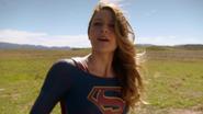 Supergirl say goodbye The Flash (8)