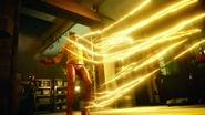 Eleanor z pomocą Mallusa odbiera chwilowo Kid Flashowi moce (1)