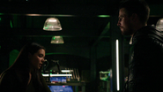 Evelyn apologizes Oliver Queen (1)