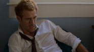 Constantine odprawia rytuał, aby odnaleźć zaginioną (10)