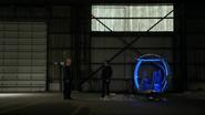 Eobard Thawne catch Damien Darhk in Time Travel (6)