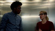 Curtis Holt and Felicity Smoak escapes from Double Down (5)