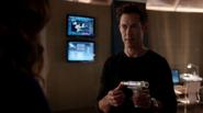 Harrison Wells (E-2) kidnapped by Patty Spivot (1)