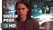 The Flash 2x18 Sneak Peek 2 Season 2 Episode 18 Sneak Peek 2
