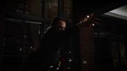 Vandal Savage fight Team Heroes in Queen loft (3)