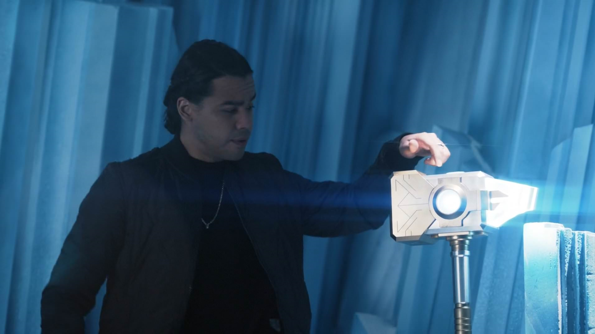 Cisco and the Light-Generating Hammer.png