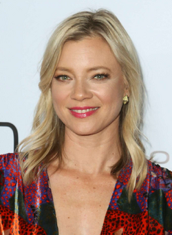 Amy Smart.png