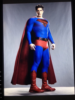 Crisis on Infinite Earths - Brandon Routh as Superman first look 3.png