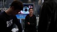 Harrison Wells (Earth-2) fight in Jay Garrick in S.T.A.R. Labs (1)