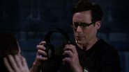 Harrison Wells rescues Jesse from vibrations