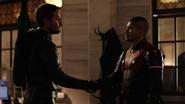 Oliver ukazuje dume z Rene