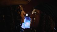 Amaya wyznaje Nate'owi, że jest jej lepiej bez totemu