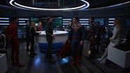 Oliver convinces Clark to stay in National City instead of going to Earth-16
