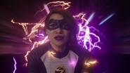 Nora rewinds time to save Team Flash 2