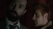 Constantine i Corrigan zabijają porywacza dziewczynek (5)