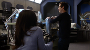 Harry decyduje się pomóc Cecille z bezsennością