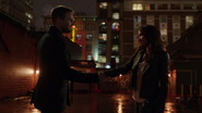 Mari McCabe and Oliver Queen says goodbye (6)