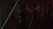 Zespół okultystów próbuje złapać niebezpiecznego mężczyznę (10)