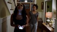 Anissa kłóci się z siostrą za to, że ta ją oszukała i poszła do klubu 100 (1)