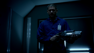Leonard Snart and Lewis Snart robbery (1)
