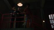 Curtis, Rene i Dinah opijają powstanie nowej drużyny we własnej kryjówce (1)