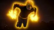 Flash i The Ray próbują zatrzymać Red Tornado (5)