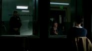 Leonard Snart talk Barry Allen in the prision (1)