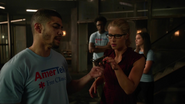 The Recruits talk with angry Green Arrow (2)