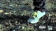 "Arrow 2x01 Sneak Peek 1 ""City Of Heroes"""