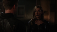 Laurel Lance (Earth-2) talk Hunter Zolomon (3)