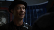 Harrison Wells (Earth-19) meet team Flash (3)