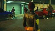 Lightning stops the gang war