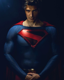 Crisis on Infinite Earths - Brandon Routh as Superman first look 2.png