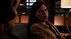 Cisco tells Thea that Speedy is a bad code name.png