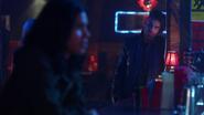 Norvok watch Caitlin and Cisco talk (1)
