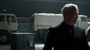 Damien Darhk fight Team Green Arrow in A.R.G.U.S (8)