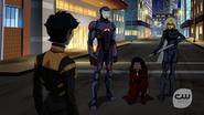 Team Green Arrow and Vixen catch Kuasa
