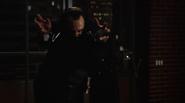 Vandal Savage fight Team Heroes in Queen loft (2)