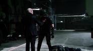 Damien Darhk fight Team Green Arrow in A.R.G.U.S (6)