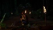 Damien pozwala Palmerowi uratować jego córkę (3)