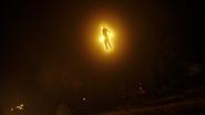 Citizen Cold ratuje chłopaka i bohaterów Ziemi-1 przed rozstrzelaniem (8)