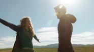 Supergirl say goodbye The Flash (3)