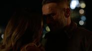 Vincent romansuje z Dinah nad rzeką (2)