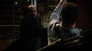Vandal Savage fight Team Heroes in Queen loft (5)