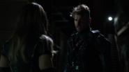 Vigilante rozmawia z Black Canary o przeszłości (3)