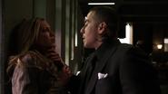 Diaz oskarża Laurel o zdradę i dusi ją