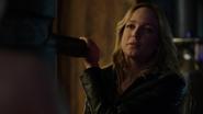 Sara Lance traning Felicity Smoak
