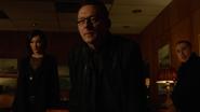 Cayden, Laurel i Diaz składają Jerry'emu Bertinellowi propozycję (5)