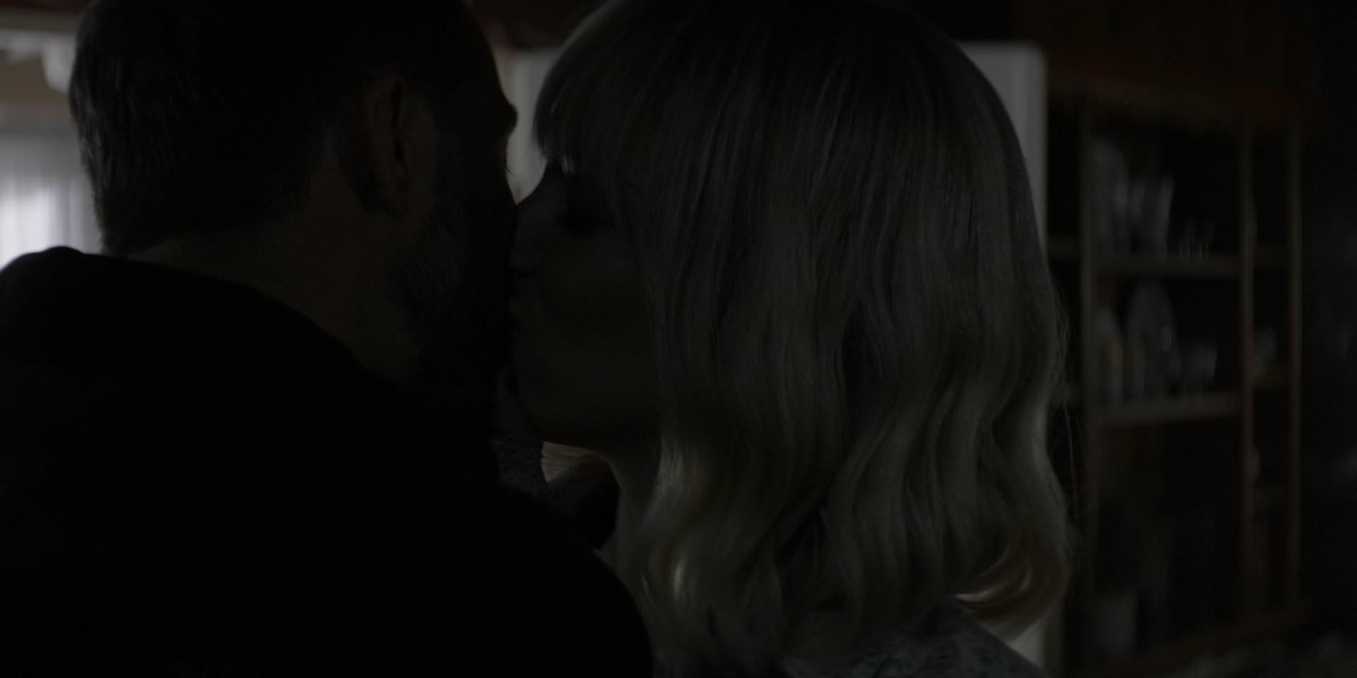 Alice kisses Dodgson.png