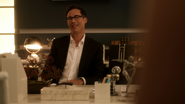 Harrison Wells (Earth-2) and Jesse Wells talk on his and her house (2)